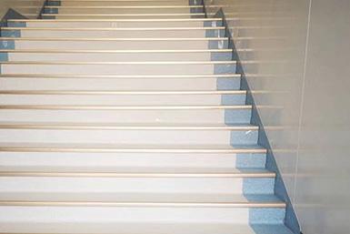 楼梯跑步地板
